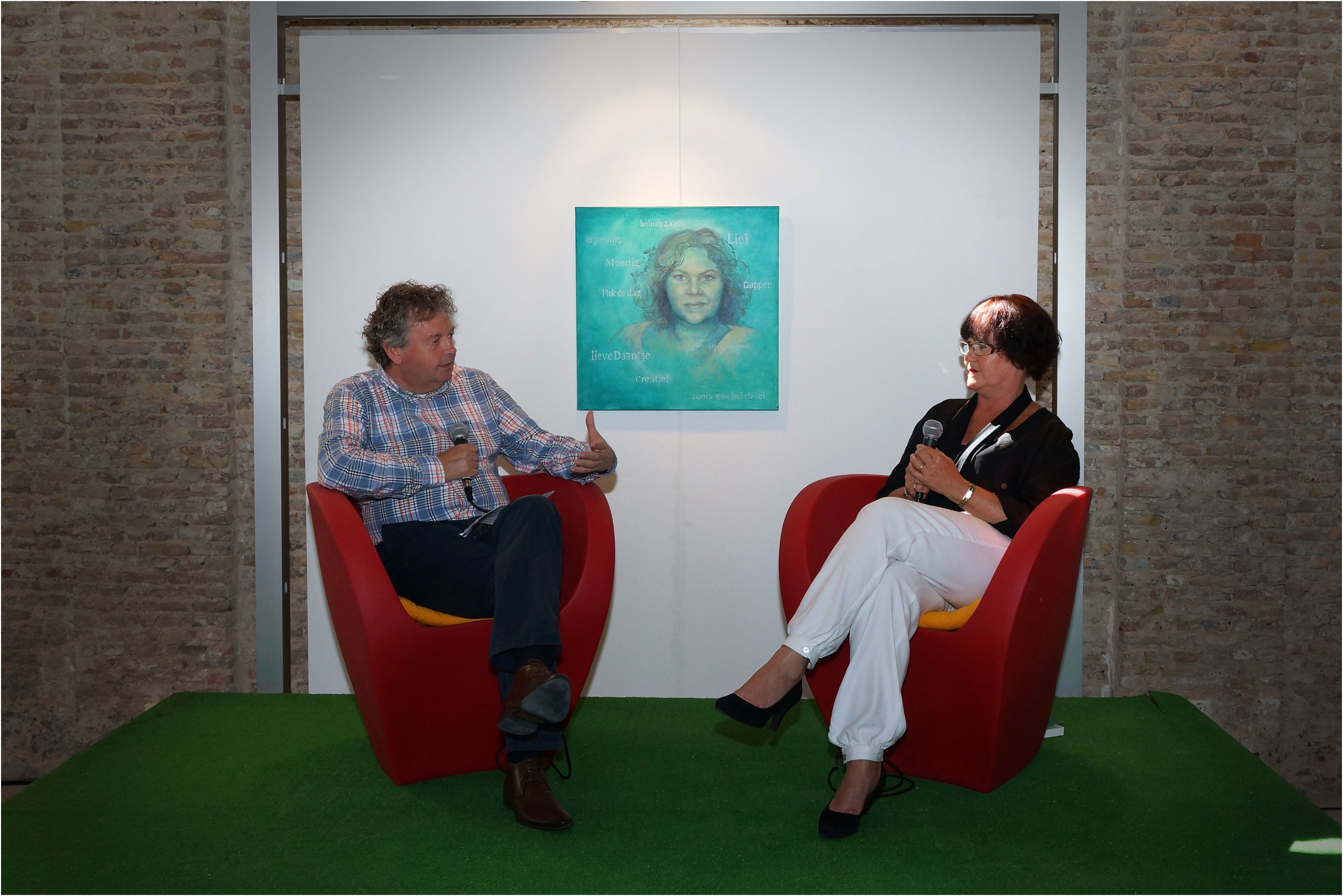Bekijk het interview van de boekpresentatie